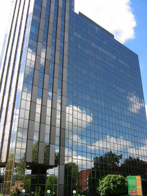 Oracle 免費 Cloud Office 力拼 Google