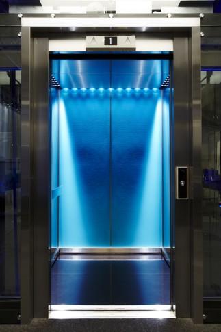KONE_elevator_20140416_02