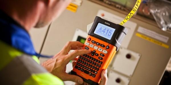 數據中心線路管理策略:企業應如何選擇合適的標籤打印機?
