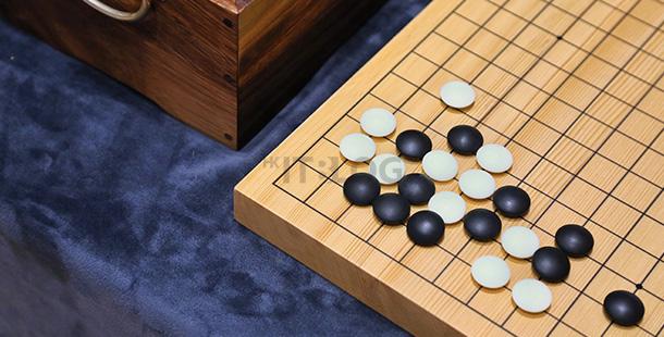 人類 Vs. AI:前 50 步堪稱完美!把 AlphaGo 逼近極限